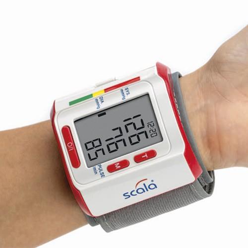 240216 Handgelenk-Blutdruckmessgerät